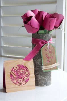 Love this project from ARC Crafts using there BARC Wooden Paper - cut with a Silhouette: Card, Tulips and love the 'wood' vase wrap - sweet gift idea