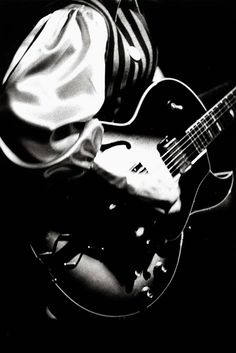 Guitar © Ralph Gibson