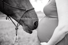 "(SO SWEET!) ""Horses are smart. I'm pretty sure the mare out in the pasture with Bugsy and Gilbert knows I'm pregnant. She kept lightly touching my tummy with her nose while the two boys argued over carrots. Maternity Photography Poses, Maternity Poses, Horse Photography, Maternity Photographer, Maternity Pictures, Friend Photography, Boudoir Photography, Maternity Dresses, Couple Photography"