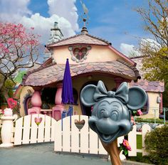 Have a topsy turvy time in Toontown!