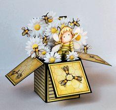 Magnolia Tilda Bee Card in a Box