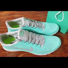 Nike Free Run shoes online outlet, large discount nike free shoes cheap, cheap discount free run shoes , NIKE FREES: Popular with both guys and girls! Nike Shoes Cheap, Nike Free Shoes, Nike Shoes Outlet, Running Shoes Nike, Cheap Nike, Shoes Sport, Nike Outfits, Casual Outfits, Winter Outfits