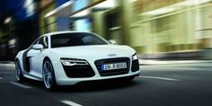 AMDMODE - Audi Middle East has revealed the refreshed 2013 and the changes, though minor, nicely update what is one of our favorite sports sport cars sports cars cars vs lamborghini Luxury Sports Cars, Sport Cars, Audi Rs8, Audi 2017, Dream Cars, My Dream Car, Dream Big, Wallpaper Audi R8, Wallpaper Desktop