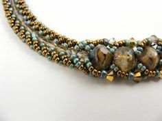 Sweet Freedom Designs: Flat Spiral Necklace - maybe not just like this but I do want to use this color combo.