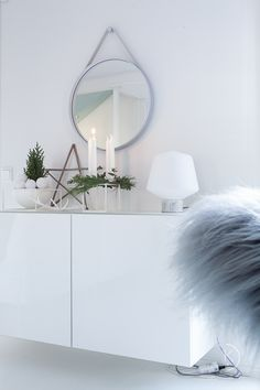 Winter decor in white and green 🌿 Winter White, Furnitures, Holiday, Green, Home Decor, Vacations, Decoration Home, Room Decor, Holidays