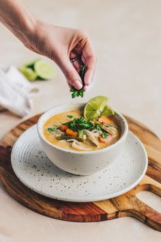 Amy's Coconut Thai Soup with brown rice noodles and cilantro food photography Coconut Thai Soup with Rice Noodles - 5 Minute Weeknight Dinner (Vegan + GF) - NattWrobel Asian Recipes, Mexican Food Recipes, Healthy Recipes, Healthy Food, Meal Recipes, Healthy Meals, Dinner Recipes, Dumplings Receta, Food Photography Tips