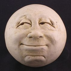 Etsy Transaction – Man-in-the-Moon Garden Head, Antique White/eggshell Transazione Etsy – Man-in-the-Moon Garden Head, bianco antico / guscio d'uovo Pottery Sculpture, Pottery Art, Sculpture Art, Clay Projects, Clay Crafts, Vintage Moon, Moon Face, Moon Garden, Paperclay