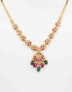 Uncut Polki Necklace Sets (22 kt) Gold Jewellery Design, Gold Jewelry, Ruby Jewelry, Jewelry Necklaces, Ruby Necklace Designs, Necklace Set, Baby Necklace, Gold Necklace, Bollywood Jewelry