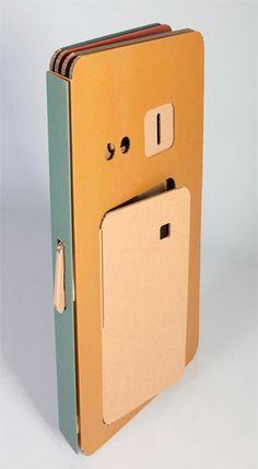 折りたたみ式のダンボールハウスPop-Up Cardboard Playhouse『My Space』