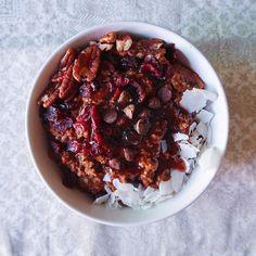 Pumpkin cacao oatmeal  recipe now on the website  SukkariLife.com وصفة الشوفان بالقرع و الكاكاو الحين بالموقع  الرابط بالبيو