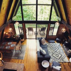 A-Frame Chalet cabin decor Cozy Cabins and Homes That Are the Perfect Escape for Your Next Friendcation Cabin Interior Design, Cabin Design, Modern Cabin Interior, Wood House Design, Cozy Cabin, Cozy House, A Frame House Plans, A Frame Floor Plans, Cabins And Cottages