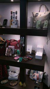 #Carcasas #Fundas #Complementos #Finger360 #Eli #Boutique
