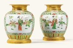 A PAIR OF GILT-BRONZE-MOUNTED CHINESE FAMILLE VERTE PORCELAIN VASES IN EMPIRE STYLE