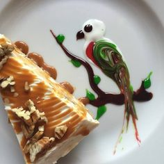Wonderfully pretty (and very creative!) dessert plate art. #cakes #food_styling #birds