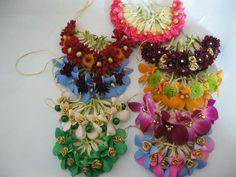 Flowers Indian Hair Accessories, Flower Hair Accessories, Flower Jewelry, Wedding Hair Accessories, Indian Jewelry, Flower Garland Wedding, Flower Garlands, Bridal Flowers, Flowers In Hair