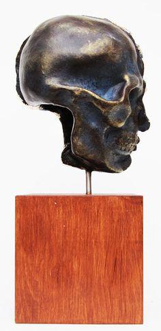 "Yaroslav Kurbanov.  ""Zwei Gesichter des Imperiums""  (Ton, Acryl, 2013)   #drawing #art #artist #sketch #illustration #draw #pencil #beautiful #masterpiece #sketchbook #picture #artsy #cute #color #aesthetik #artwork #hellenismus #clay #imperien #krieg #creative #kurbanov #gesichter #arts_gallery #imperium #worldofpencils #arts_help #welt #modern"