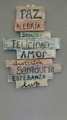 Diy Pallet Wall, Pallet Art, Pallet Signs, Wood Signs, Diy Wall, Diy Room Decor For Teens, Teen Room Decor, Diy Home Decor, Home Crafts