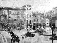 Il retro di palazzo Marino verso piazza Scala prima che venisse costruita la nuova facciata (edificata da Luca Beltrami nel 1892)