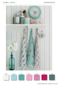 Shabby Chic Home Interiors – Decorating Tips For All Baños Shabby Chic, Shabby Vintage, Shabby Chic Colors, Shabby Chic Kitchen, Shabby Chic Homes, Vintage Kitchen, Kitchen Decor, Country Kitchen, Kitchen Chairs