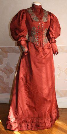 Dress, ca 1892, Abiti Antichi
