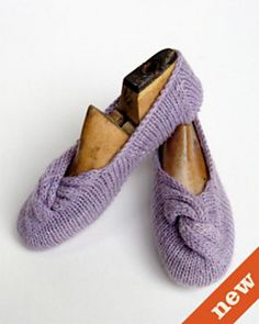 Ravelry: Knotted Slipper pattern by Julie Weisenberger Must make these! So cute.