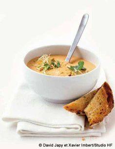 Recette Soupe de lentilles corail curry-coco : Dans une cocotte, faites revenir à feu doux, dans l'huile, les oignons surgelés (ou un oignon épluché et é...