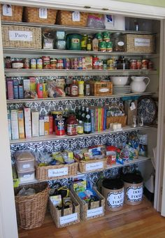 Food Pantry Organization clutter-free-home