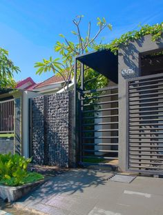Green Roof Residence | Andyrahman Architect Project