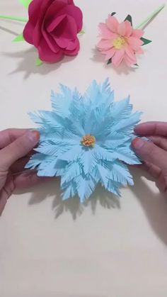 DIY Handmade Christmas Snowflake - Holiday wreaths christmas,Holiday crafts for kids to make,Holiday cookies christmas, Paper Flowers Craft, Paper Crafts Origami, Flower Crafts, Diy Flowers, Paper Crafting, Paper Flowers How To Make, Paper Flower Art, Flowers With Paper, Flower Oragami