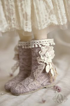 bjd shoes---1/3 Pale Pinkish Grey Forest Boots from Angell-Studio