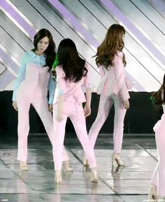 SNSD Taeny flirt Dream Concert 2014