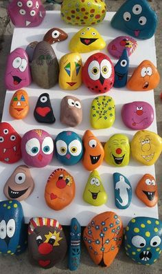 30 Creative Ideas for Making Painted Rocks Kids Crafts, Toddler Crafts, Diy And Crafts, Arts And Crafts, Rock Painting Patterns, Rock Painting Ideas Easy, Rock Painting Designs, Pebble Painting, Pebble Art