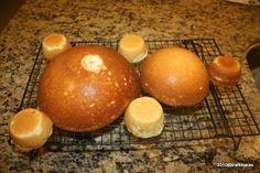 Baking and Caking for Beginners: Luau Pig Cake Pig Birthday Cakes, Luau Birthday, Birthday Ideas, Moana Birthday, Luau Desserts, Dessert Recipes, Pig Roast Party, Piggy Cake, Luau Cakes