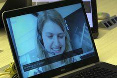 Koulun videoneuvottelu luokkatovereidesi kanssa