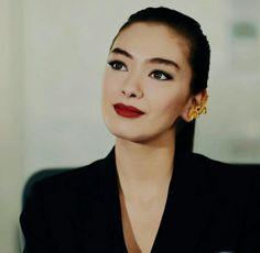 Seninle yoğun bağlantısı var!!!! Turkish Beauty, Turkish Actors, Engagement Pictures, Beautiful Actresses, Formal Wear, Kara, First Love, Cool Photos, Makeup Looks