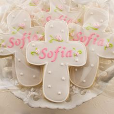 Personalized Rosebud Cross Cookies for Baptism di TSCookies