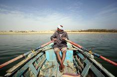 Fisherman in the man-made lake of Wadi al-Rayan protectorate in Fayyoum, Egypt. Credit: Enas El Masry