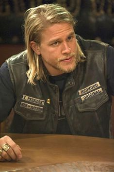 """Jax Teller"" (Charlie Hunnam), Sons of Anarchy....love this guy. Royce looked so much like him when he had long hair. :)"