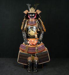 Gendai Gusoku (complete set of samurai armor) Daimyo (general) O-Yoroi including Kamon (Samurai family coat of arms) of the family Ikeda Terumasa, Daimyo of Ikejiri, stepson of Shogun Tokugawa Ieyasu, mid Showa period, Japan.