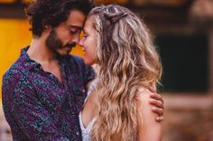 Was für ein wundervoller Moment zwischen den beiden... sie scheinen uns ganz vergessen zu haben.⠀⠀⠀⠀⠀⠀⠀⠀⠀ @canbaranayguler @j_pow_l⠀⠀⠀⠀⠀⠀⠀⠀⠀ .⠀⠀⠀⠀⠀⠀⠀⠀⠀ .⠀⠀⠀⠀⠀⠀⠀⠀⠀ . ⠀⠀⠀⠀⠀⠀⠀⠀⠀ #hochzeitsfotografmallorca #heiratenaufmallorca #heiratenaufmallorca2021 #braut2021 #bride2021 #weddinginmallorca #mallorcawedding #mallorcaweddingsphotographer #bridetobe #novias2021 #bodas #weddingsinspiration #adventurouslovestories #destinationwedding #afterweddingshooting⠀⠀⠀⠀⠀⠀⠀⠀⠀ #noviasconestilo #modernbride… Destination Wedding, In This Moment, Couple Photos, Couples, Inspiration, Wedding, Left Out, Majorca, Couple Shots