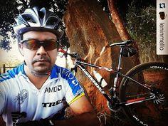 """#Repost @leninmello with @repostapp  """"PEDAL FERIADO SOLO 40KM"""" #mundodasbikes #mundodastrilhas #natureza #saúde #bike #cannondale #familiadabike #mtbbrasil #bikextremo #clickbikesbrasil #vamospedalargo #pedalando #praquempedala #prefiropedalar #irdebike #issomudaomundo #soumaispedal #mundociclismo #bikeforever #bike_na_veia #eusouciclista #mountainbikersbr #cabritosdocerrado by cabritosdocerrado http://ift.tt/1OPI6r3"""