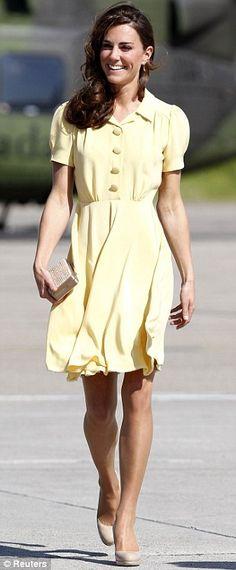 Icono de la moda: Durante la gira real de la pareja de Canadá, la duquesa llevaba una variedad de atuendos coloridos, incluyendo un traje de vaquero-inspirado peculiar de ver el rodeo