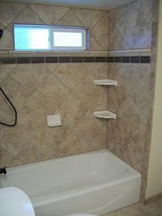 trendy bathroom black and white wallpaper small spaces Best Bathroom Tiles, Bathtub Tile, Cozy Bathroom, Kitchen Wall Tiles, Bathroom Wallpaper, Bathroom Colors, Bathroom Small, Bathroom Black, Wainscoting Bathroom