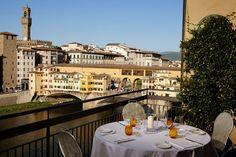 """イタリアの高級ブランド""""フェラガモ""""が手がけたイタリア・フィレンツにある高級ホテル「ルンガルノ・スイーツ(Lungarno Suites)」。高級感な雰囲気、品質細部へのこだわり、一流のサービスなど、フェラガモが手がけるだけの最高級なホテルを感じさせます。"""