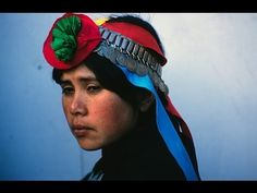 beautiful portrait i love this Mapuche woman, Temuco, Chile by Marcelo Montecino The Mapuche are the only nation in South America that the Spanish were never able to conquer. People Of The World, My People, Latina, Southern Cone, Hispanic Heritage, Photographs Of People, American Spirit, Body Modifications, Traditional Dresses