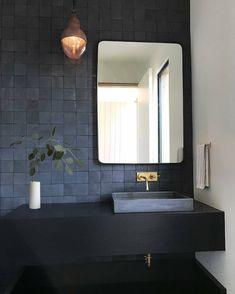 Ideas for the bathroom: 55 blue bathroom design ideas … - Bathroom Blue Bathrooms Designs, Dark Bathrooms, Bathroom Taps, Bathroom Fixtures, Amazing Bathrooms, Bathroom Interior, Small Bathroom, Bathroom Lighting, Bathroom Modern