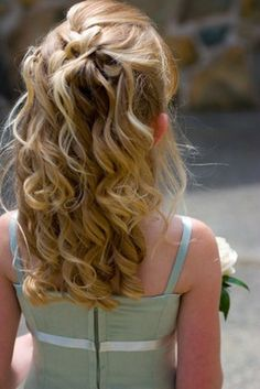 Flower Girl Hair with blue accent bows of flowers