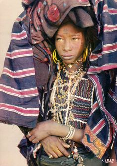 Africa | A young Wodaabe girl.  Niger.  ca. 1973 || Scanned postcard