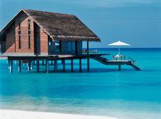 Als u op zoek bent naar rust is de Water Villa de ideale plek om te verblijven! #Maldives #OneAndOnlyReethiRah