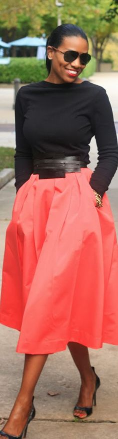 Beaute' J'adore- Love her style! Nice midi skirt and simple black top. Fashion Mode, Modest Fashion, Womens Fashion, Nail Fashion, Beautiful Outfits, Cute Outfits, Spring Fashion, Autumn Fashion, Church Outfits